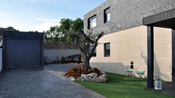 Garaje en casa prefabricada Cube 157 m2