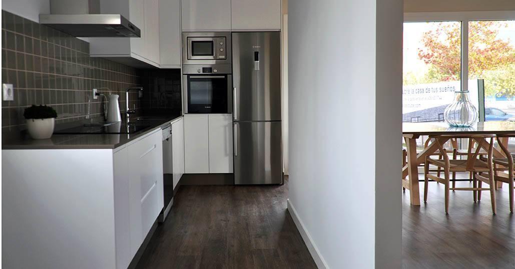 Casa prefabricada Cube, casa piloto en Madrid, cocina